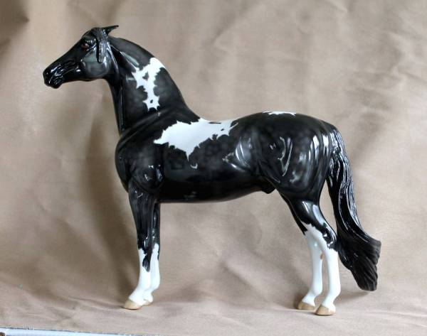 Georgian Grande Stallion, black pinto
